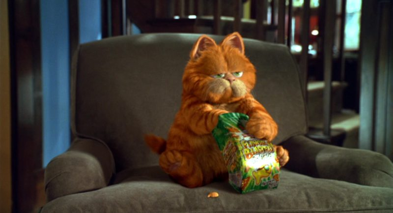 Pepperidge Farm Goldfish Flavor Blasted Xplosive Pizza Crackers in Garfield (2004) Movie Product Placement