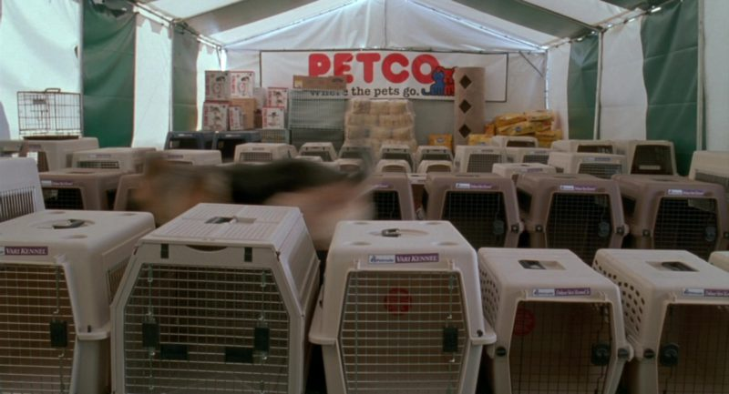 Petco in Garfield (2004) - Movie Product Placement