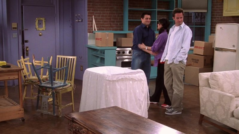 """Puma Shoes Worn by Matthew Perry (Chandler Bing) in Friends Season 10 Episode 18 """"The Last One Part 2"""" (2004) - TV Show Product Placement"""