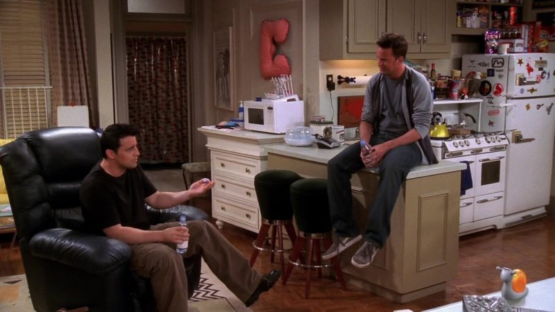 "Puma Shoes Worn by Matthew Perry (Chandler Bing) in Friends Season 10 Episode 3 ""The One with Ross's Tan"" (2003) - TV Show Product Placement"