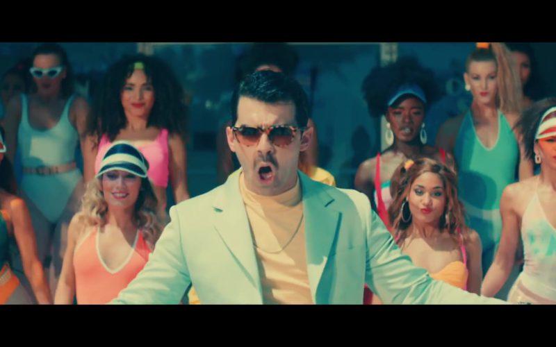 Ray-Ban Leopard Frame Sunglasses Worn by Joe Jonas (7)