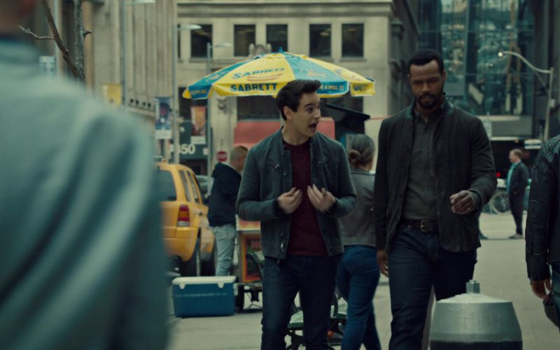 Sabrett Hot Dogs in in Shadowhunters (3)