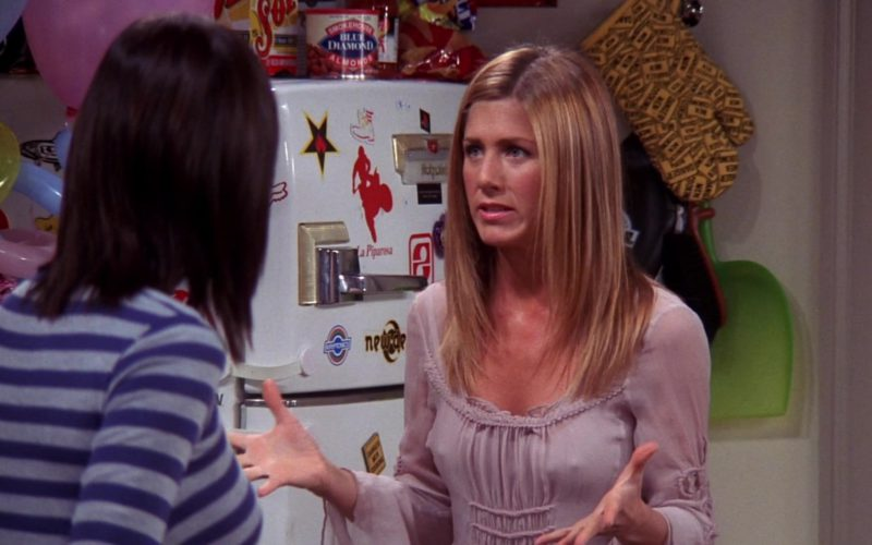 Sol Beer & Blue Diamond Almonds in Friends Season 10 Episode 4 (1)