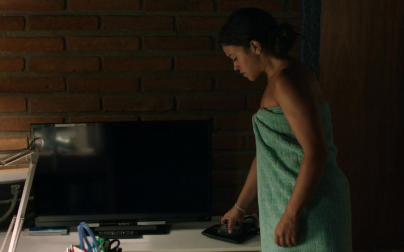 Sony TV Used by Gina Rodriguez in Miss Bala (1)