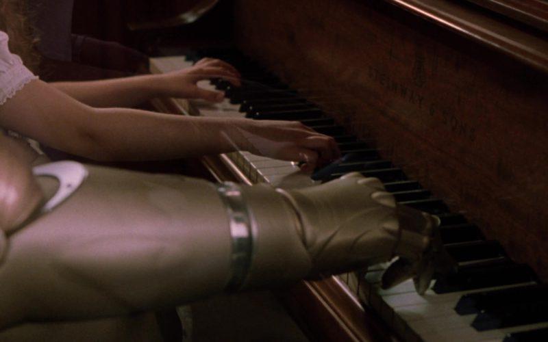 Steinway & Sons Piano in Bicentennial Man (8)