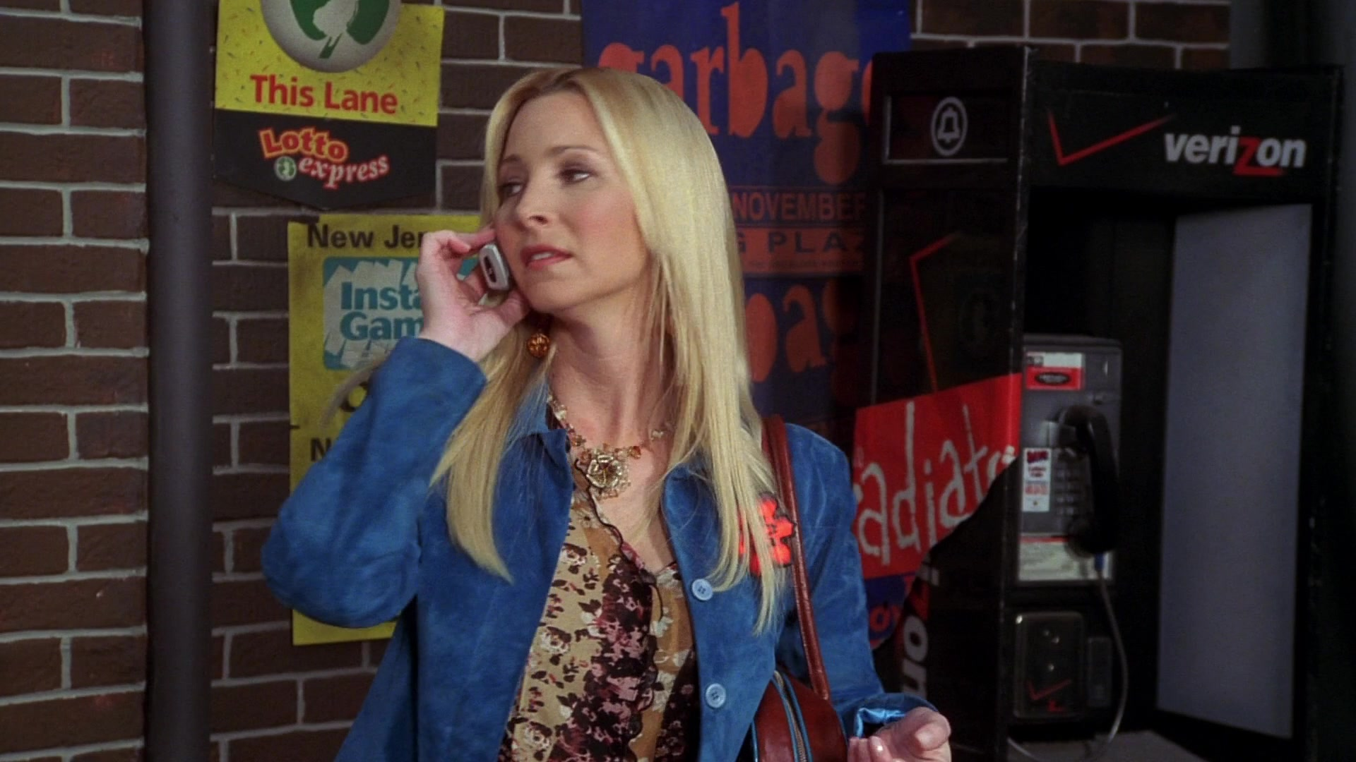 "Verizon Payphone in Friends Season 10 Episode 15 ""The One"