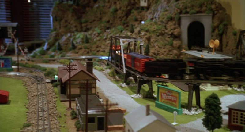 Wendy's Fast Food Restaurant Billboard (Toy Train Set) in Garfield (2004) - Movie Product Placement