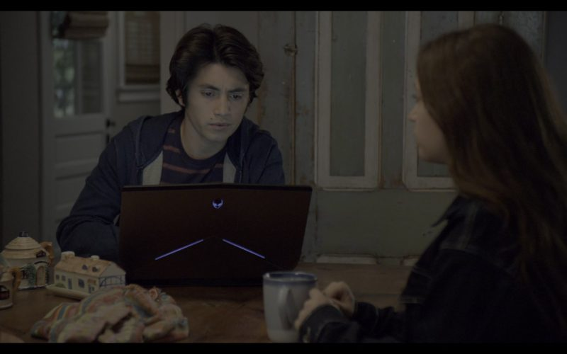 Alienware Notebook Used by José Julián in The Society (1)
