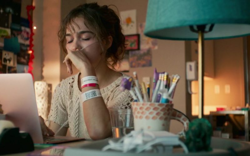 Apple MacBook Laptop (Rose Gold) Used by Haley Lu Richardson in Five Feet Apart (4)