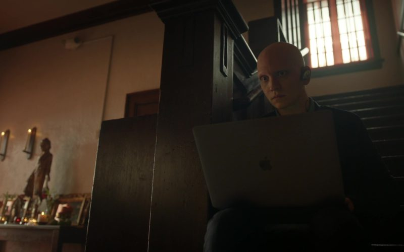 Apple MacBook Laptop Used by Anthony Carrigan (NoHo Hank) in Barry (2)