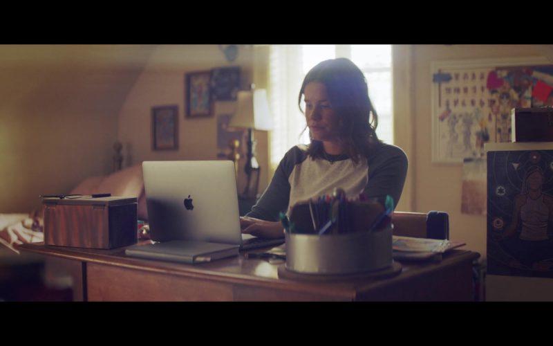 Apple MacBook Laptop Used by Sosie Bacon in The Last Summer