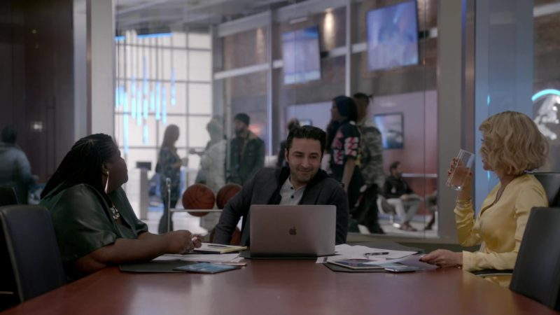 Apple MacBook Laptops in Empire - Season 5, Episode 17, My Fate Cries Out (2019) TV Show