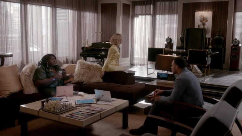 Apple MacBook Laptops in Empire - Season 5, Episode 17, My Fate Cries Out (2019) - TV Show Product Placement
