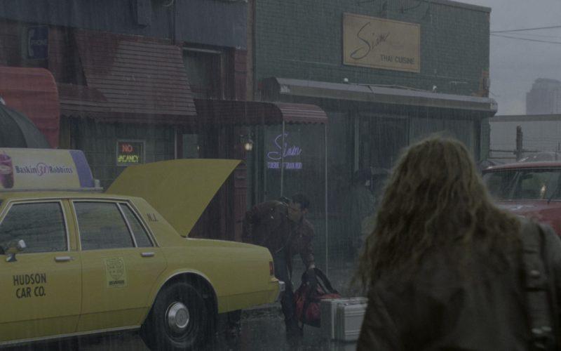 Baskin-Robbins Restaurant Taxi Advertising in Godzilla (1)