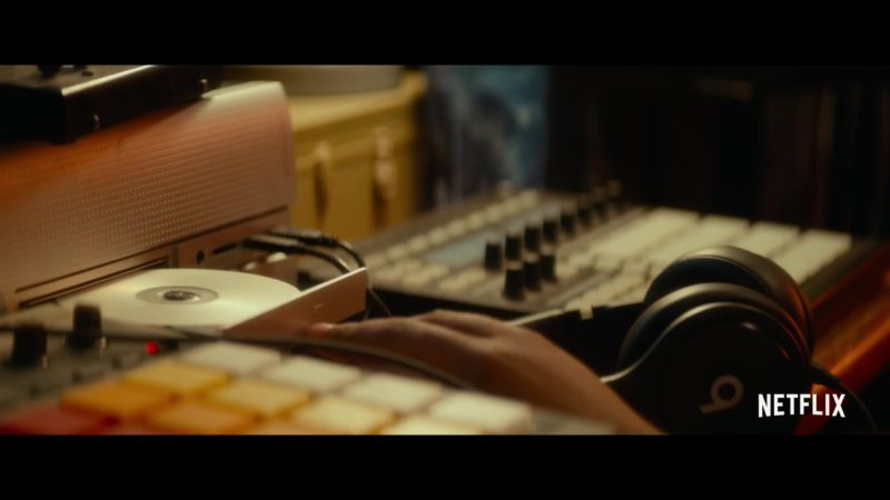 Beats Headphones Used by Anthony Anderson in Beats (2019) Movie Product Placement