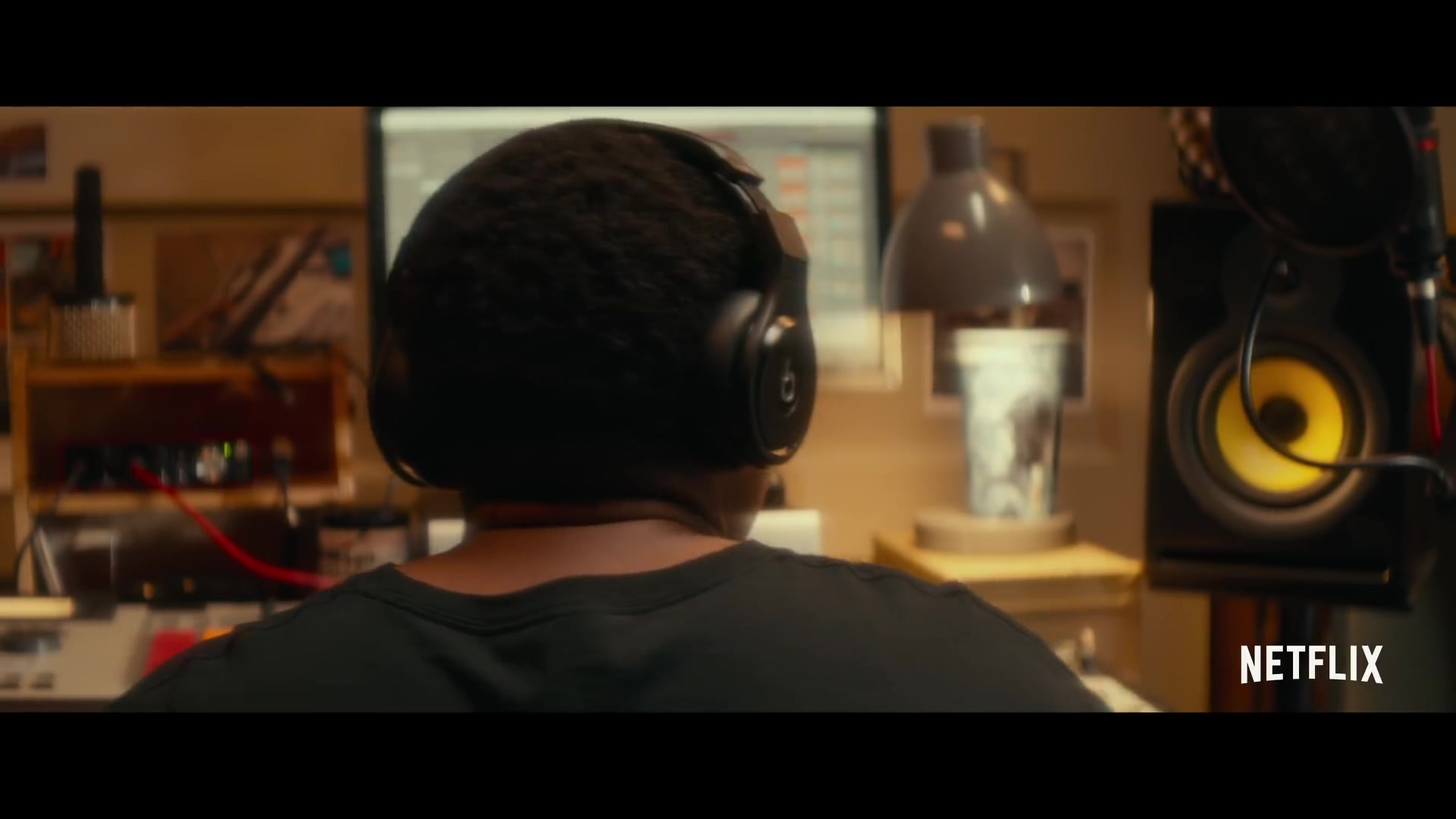 Beats Headphones Used by Anthony Anderson in Beats (2019) Movie