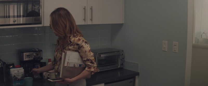 Brookside Acai & Blueberry Flavors Dark Chocolate in Gloria Bell (2018) - Movie Product Placement