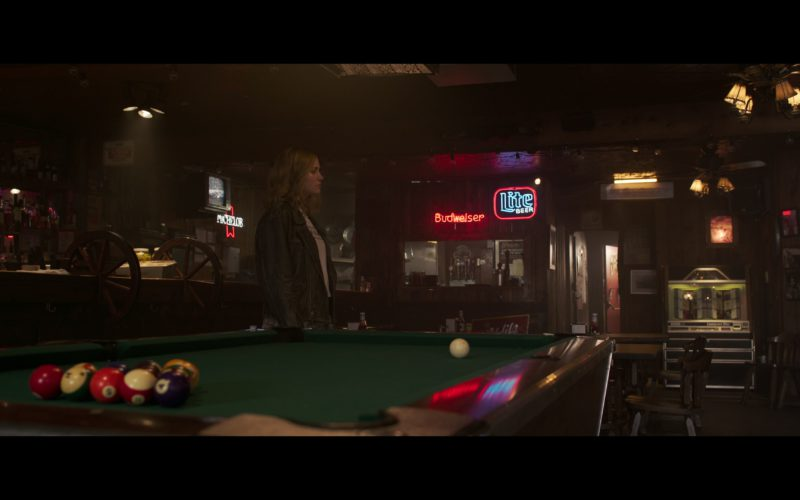 Budweiser and Miller Lite Beer Neon Signs in Captain Marvel