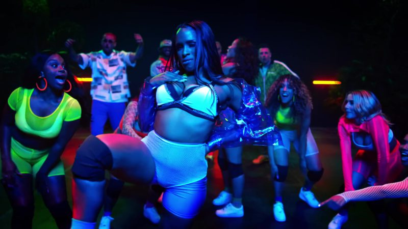 """PrettyLittleThing Bra in """"Wobble Up"""" by Chris Brown ft. Nicki Minaj, G-Eazy (2019) Official Music Video Product Placement"""