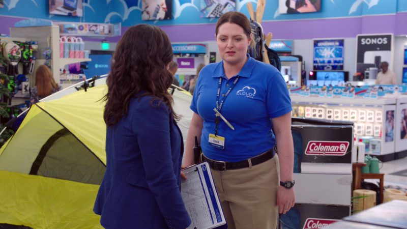 Coleman in Superstore - Season 4, Episode 22, Employee Appreciation Day (2019) - TV Show Product Placement