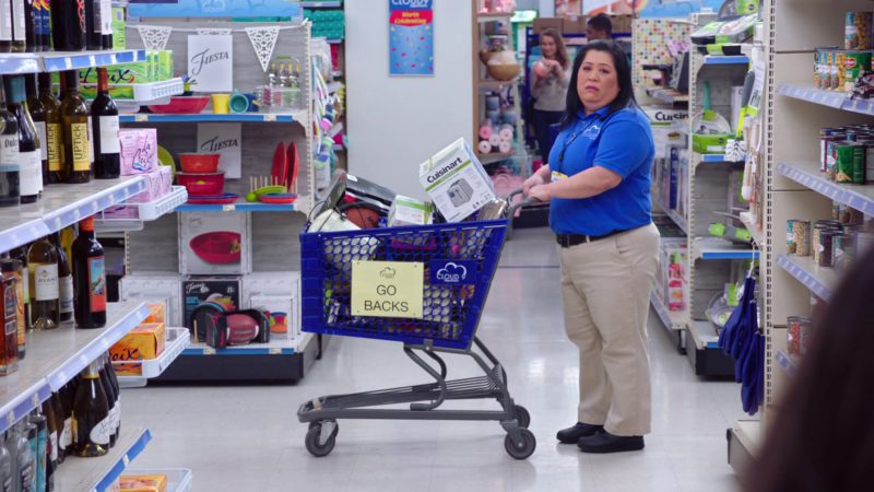 Cuisinart in Superstore - Season 4, Episode 20, Cloud9Fail (2019) - TV Show Product Placement