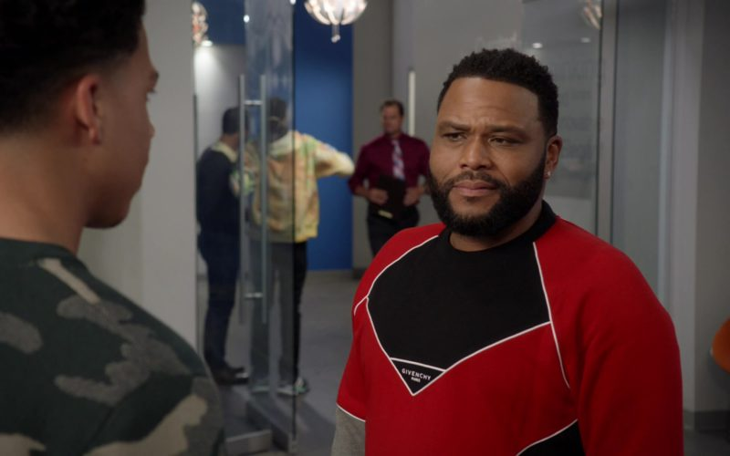 Givenchy Sweatshirt Worn by Anthony Anderson in Black-ish (5)
