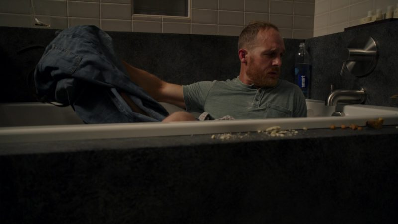 Glaceau Smartwater in Sneaky Pete - Season 3, Episode 3 (2019) - TV Show Product Placement