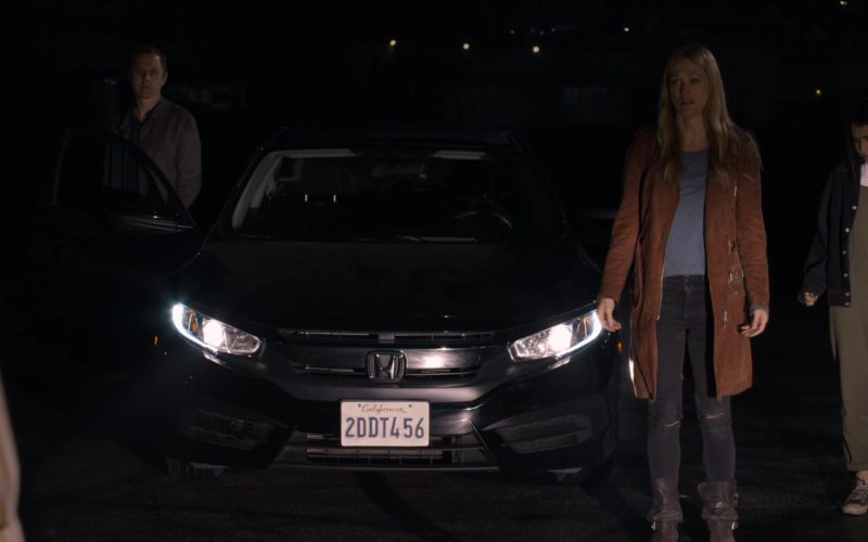 Honda Civic Car in Sneaky Pete (1)