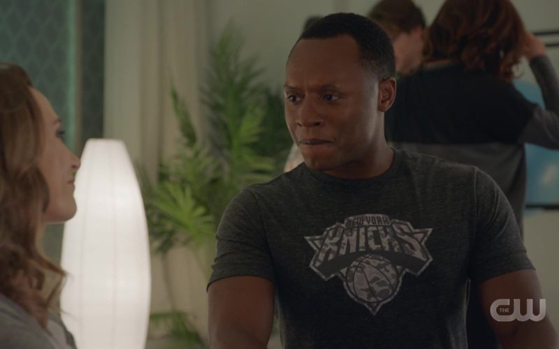 Knick New York T-Shirt Worn by Malcolm Goodwin in iZombie (3)