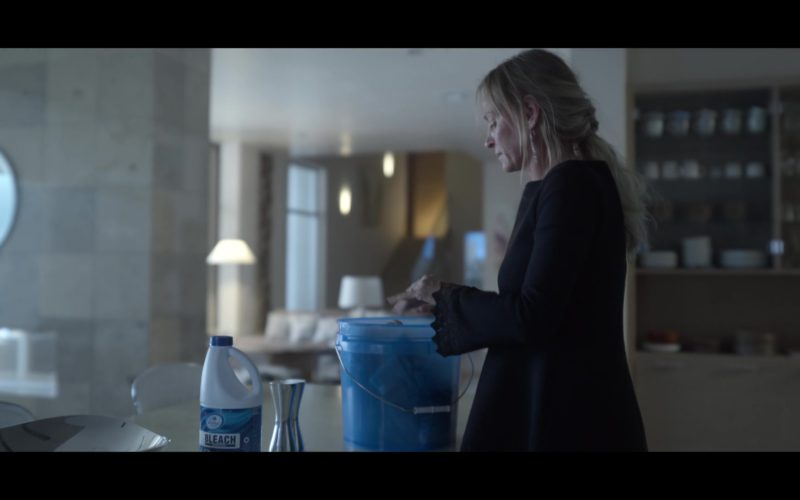 Kroger Home Sense Concentrated Bleach Used by Uma Thurman in Chambers (1)