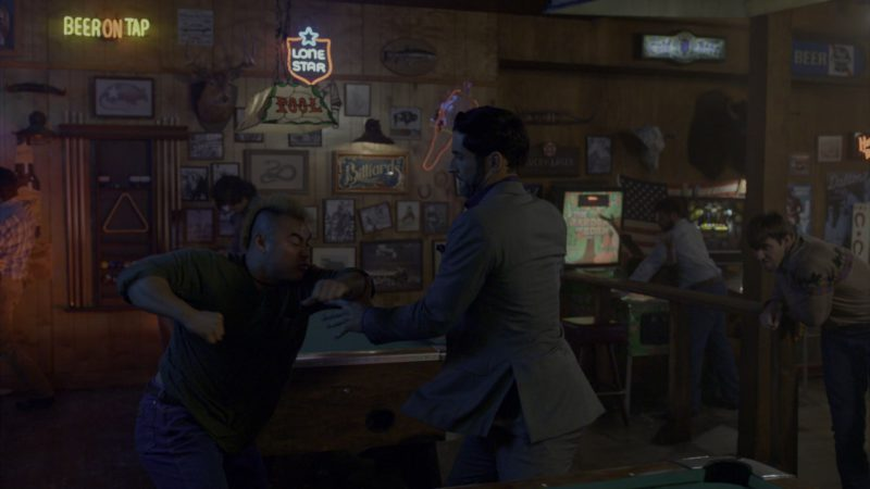 Lone Star Beer Neon Sign in Lucifer - Season 4, Episode 4, All About Eve (2019) - TV Show Product Placement