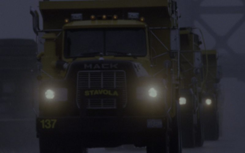 Mack R-Series Yellow Trucks in Godzilla (1)