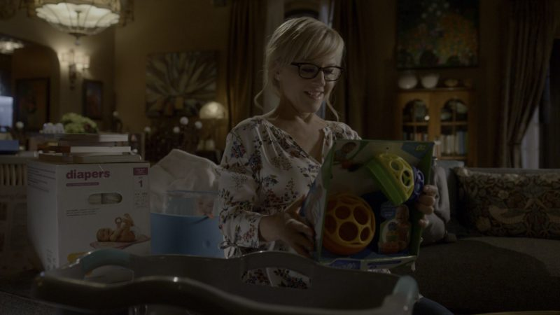 Oball Original Ball Held by Rachael Harris in Lucifer - Season 4, Episode 6, Orgy Pants to Work (2019) - TV Show Product Placement