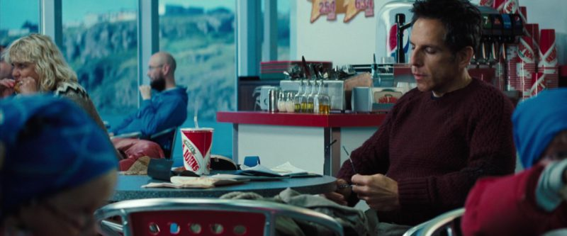 Papa John's Pizza Restaurant in The Secret Life of Walter Mitty (2013) - Movie Product Placement