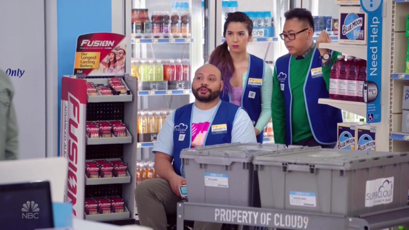 Rayovac Fusion Premium Alkaline Batteries & Blue Moon in Superstore - Season 4, Episode 19, Scanners (2019) - TV Show Product Placement