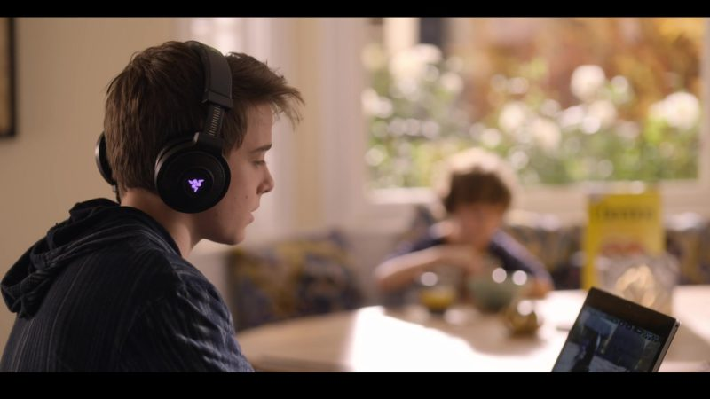 Razer Headphones Used by Sam McCarthy in Dead to Me - Season 1, Episode 4 (2019) - TV Show Product Placement