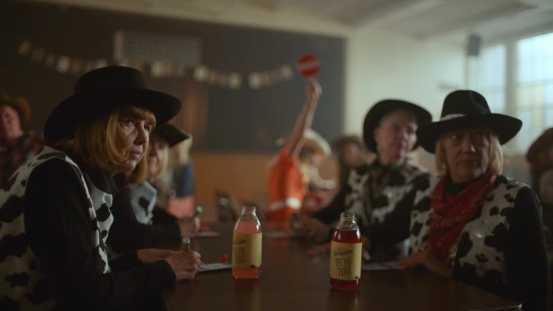 """Snapple Juice in """"Old Town Road"""" by Lil Nas X ft. Billy Ray Cyrus (2019) - Official Music Video Product Placement"""