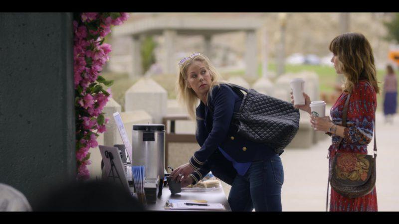 Starbucks Coffee Held by Linda Cardellini in Dead to Me - Season 1, Episode 1 (2019) TV Show