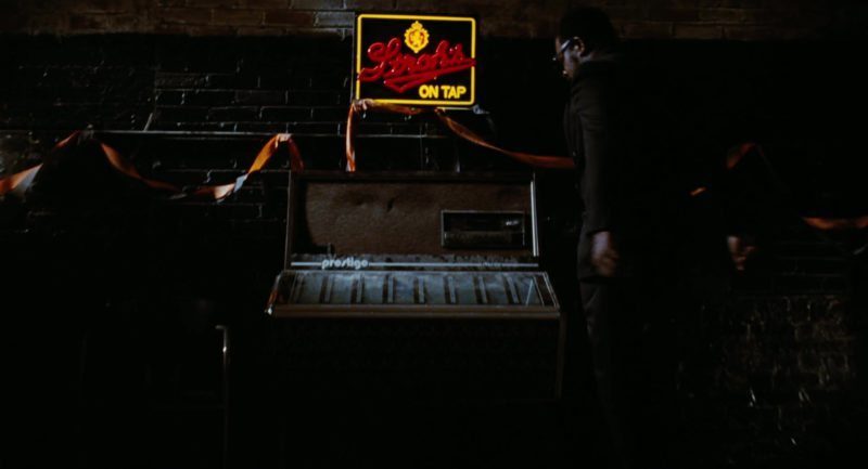 Stroh's Beer Sign in The Crow (1994) - Movie Product Placement