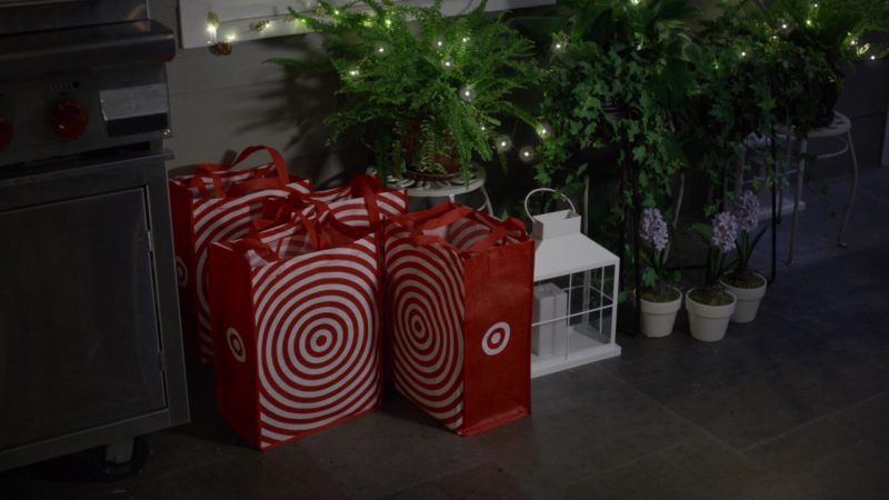 """Target Store """"Drive Up"""" Application and Paper Bags in Black-ish Season 5, Episode 21, FriDre Night Lights (2019) TV Show Product Placement"""