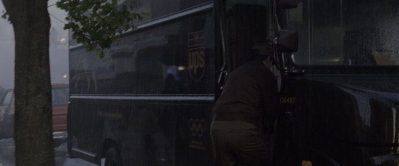 United Parcel Service (UPS) Logistics Company Truck in Godzilla (1998) - Movie Product Placement
