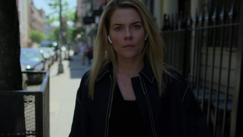 """Apple AirPods Wireless Headphones Used by Rachael Taylor in Jessica Jones - Season 3, Episode 2, """"A.K.A You're Welcome"""" (2019) - TV Show Product Placement"""