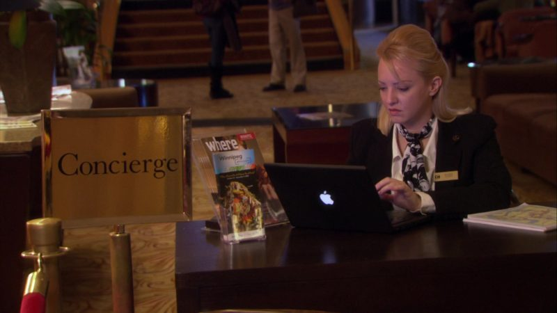 "Apple Black Laptop in The Office – Season 5, Episode 8, ""Business Trip"" (2008) - TV Show Product Placement"