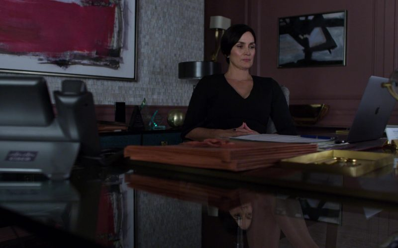 Apple MacBook Laptop Used by Carrie-Anne Moss in Jessica Jones