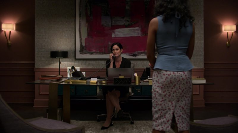 "Apple MacBook Laptop Used by Carrie-Anne Moss in Jessica Jones - Season 3, Episode 8, ""A.K.A Camera Friendly"" (2019) - TV Show Product Placement"