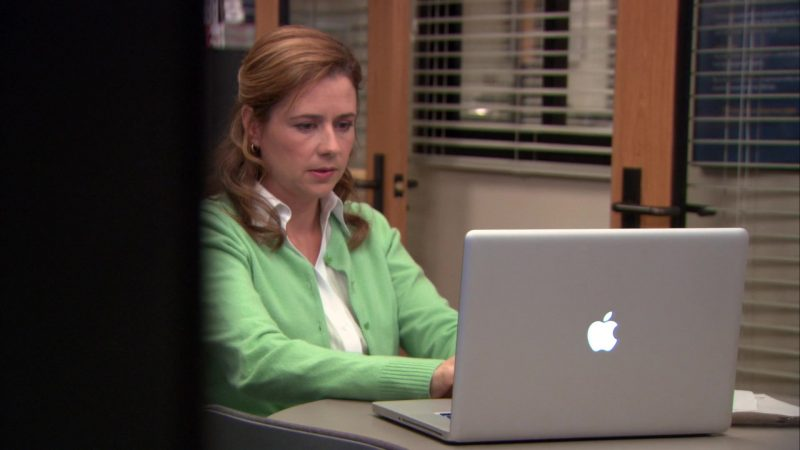"Apple MacBook Laptop Used by Jenna Fischer (Pam Beesly) in The Office – Season 9, Episodes 22-23, ""A.A.R.M."" (2013) - TV Show Product Placement"