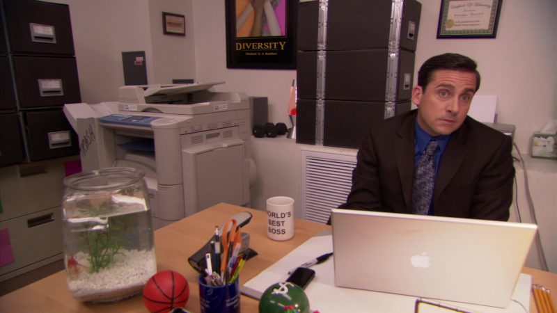 "Apple MacBook Pro Laptop Used by Steve Carell (Michael Scott) in The Office – Season 5, Episode 23, ""Michael Scott Paper Company"" (2009) - TV Show Product Placement"