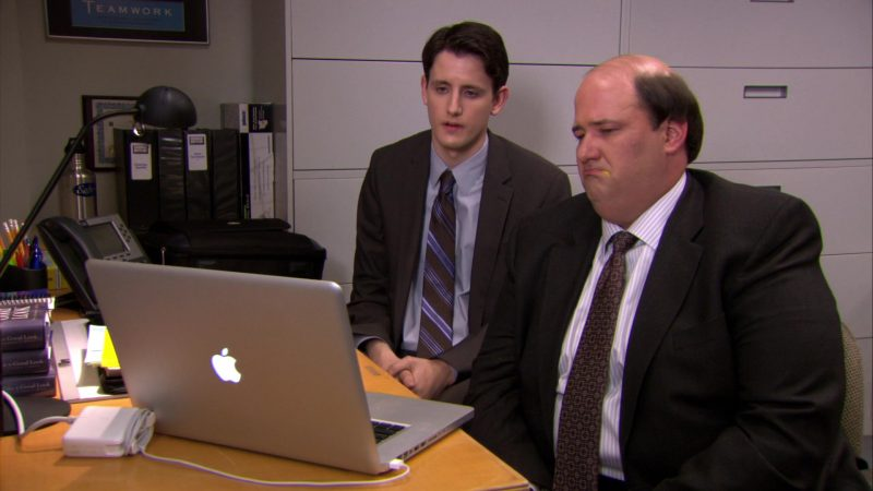 "Apple MacBook Pro Laptop Used by Brian Baumgartner (Kevin Malone) & Zach Woods (Gabe Lewis) in The Office – Season 6, Episode 22, ""Secretary's Day"" (2010) - TV Show Product Placement"