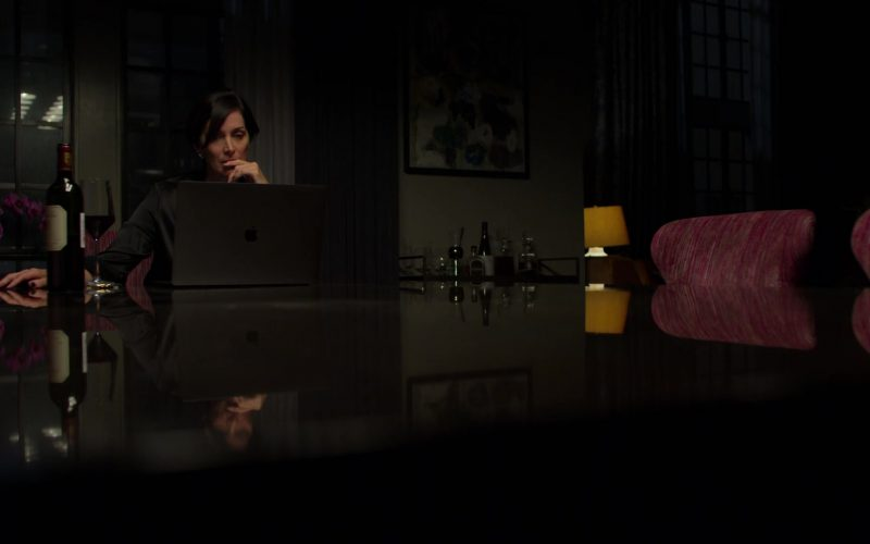Apple MacBook Pro Laptop Used by Carrie-Anne Moss in Jessica Jones – (1)