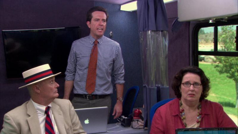 """Apple MacBook Pro Laptop Used by Ed Helms (Andy Bernard) in The Office – Season 9, Episode 4, """"Work Bus"""" (2012) - TV Show Product Placement"""